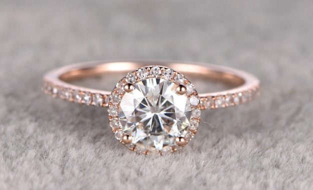 Purchasing a Gemstone Engagement Ring for the Love